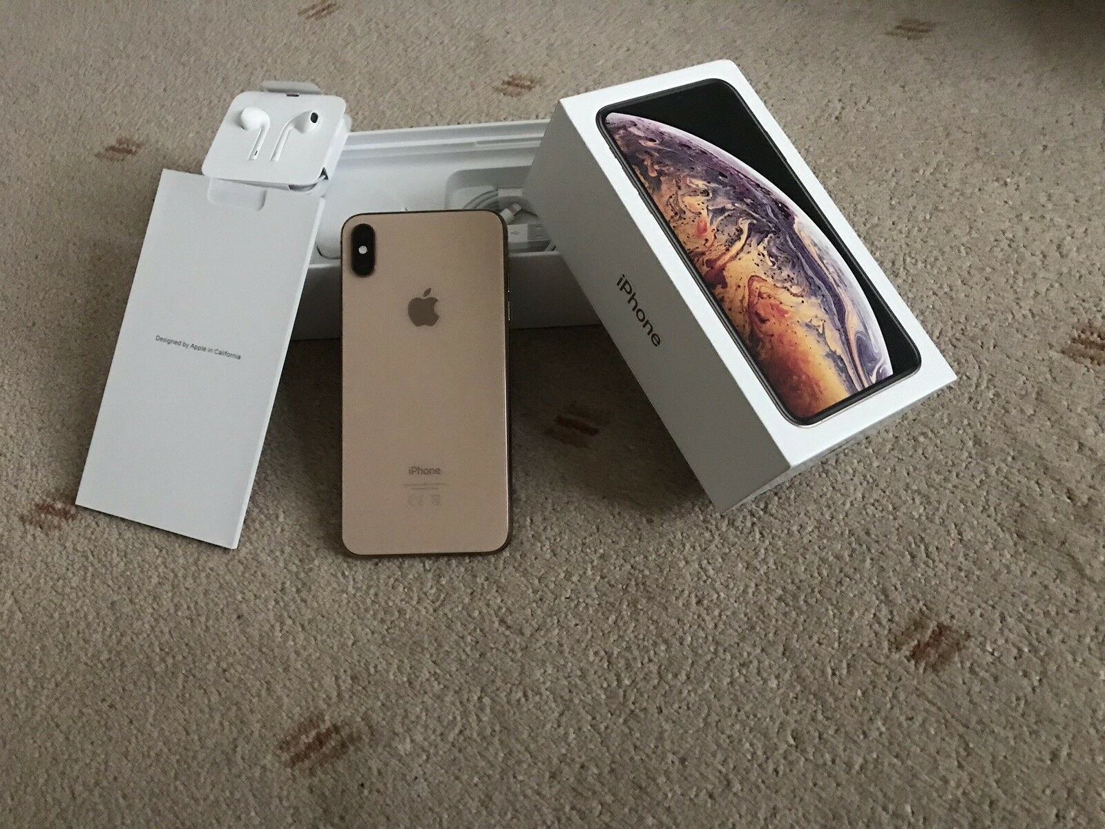 Apple iPhone-XS-Max-64GB Gold